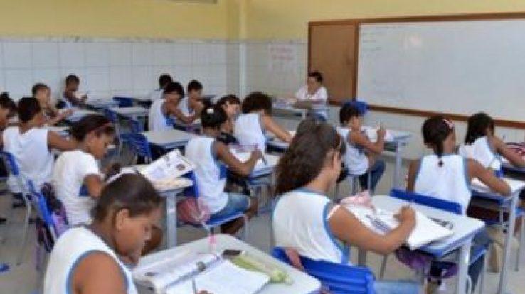 Temor de segunda onda da Covid-19 no Brasil ameaça retorno às aulas em Salvador