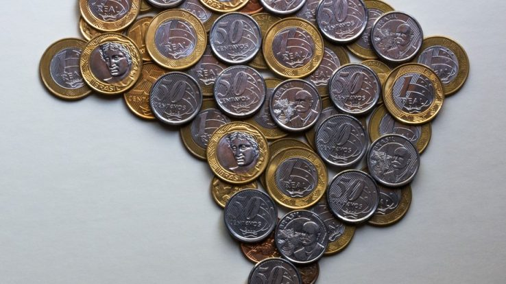 Reforma administrativa leva Brasil de volta ao período de cargos como moeda de troca