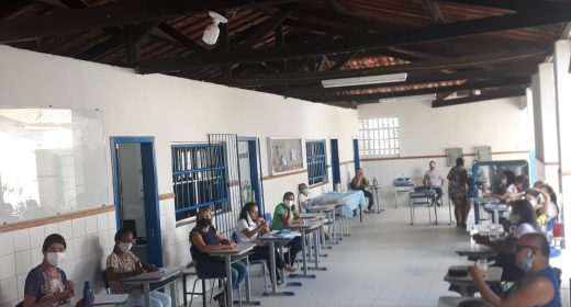 ITABERABA – APLB APOIA LUTA CONTRA O FECHAMENTO DO COLÉGIO ESTADUAL LIBERDADE
