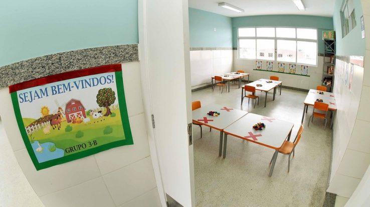 G1-BA: Mais de 90 escolas municipais de Salvador registraram casos de Covid-19 após retorno semipresencial das aulas, diz APLB