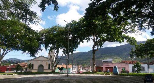APLB-Núcleo Amaldina divulga nota contra exoneração de servidores aposentados do município